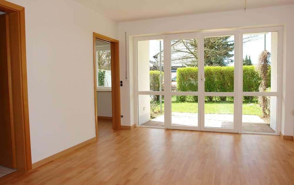 Helle 1,5 Zimmer Erdgeschoßwohnung mit eigenem Garten in ruhiger Lage