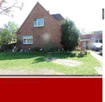 Einfamilienhaus plus Bungalow in 23569