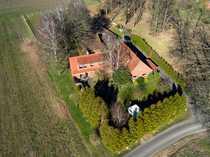 Resthof mit Pferdeboxen und Weide