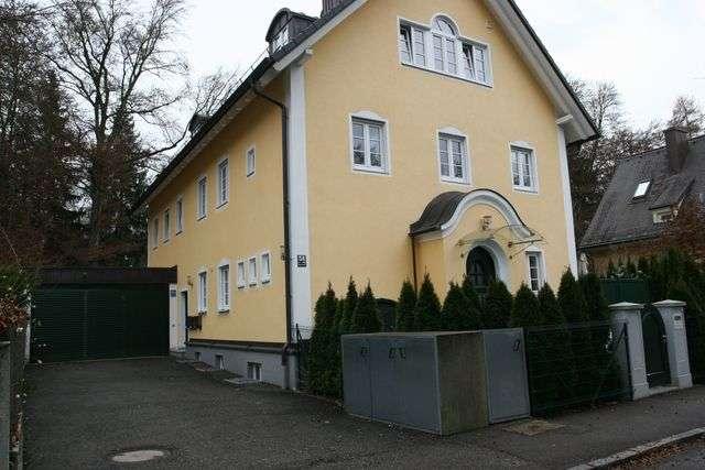 Stilvolle, geräumige und neuwertige 4-Zimmer-EG-Wohnung mit Balkon und EBK in München / Harlaching in Harlaching (München)