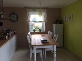 Neuwertige 3-Zimmer-OG-wohnung mit Balkon und Einbauküche in Dingolfing