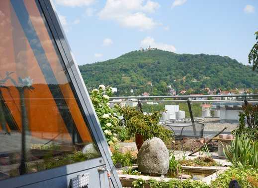 Helle moderne Penthouse-Wohnung mit Dachgarten und Schlossblick