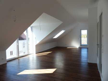 Erstbezug mit Einbauküche und 2 Balkonen: helle 2-Zimmer-Dachgeschosswohnung in Moosburg in Moosburg an der Isar