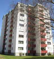 Gut geschnittene 4½-Zimmer-Wohnung mit Balkon