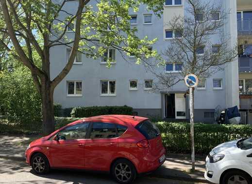 Freundliche, gepflegte 2-Zimmer-Wohnung mit gehobener Innenausstattung zur Miete in Niehl, Köln