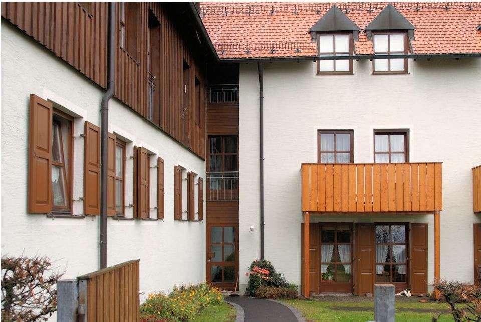 Mitterteich . gemütliche 2-Zimmer-DG-Wohnung in zentraler Lage in Mitterteich