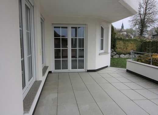Neuwertige 3,5-Zimmer-EG-Wohnung mit Terrasse, Balkon und Einbauküche