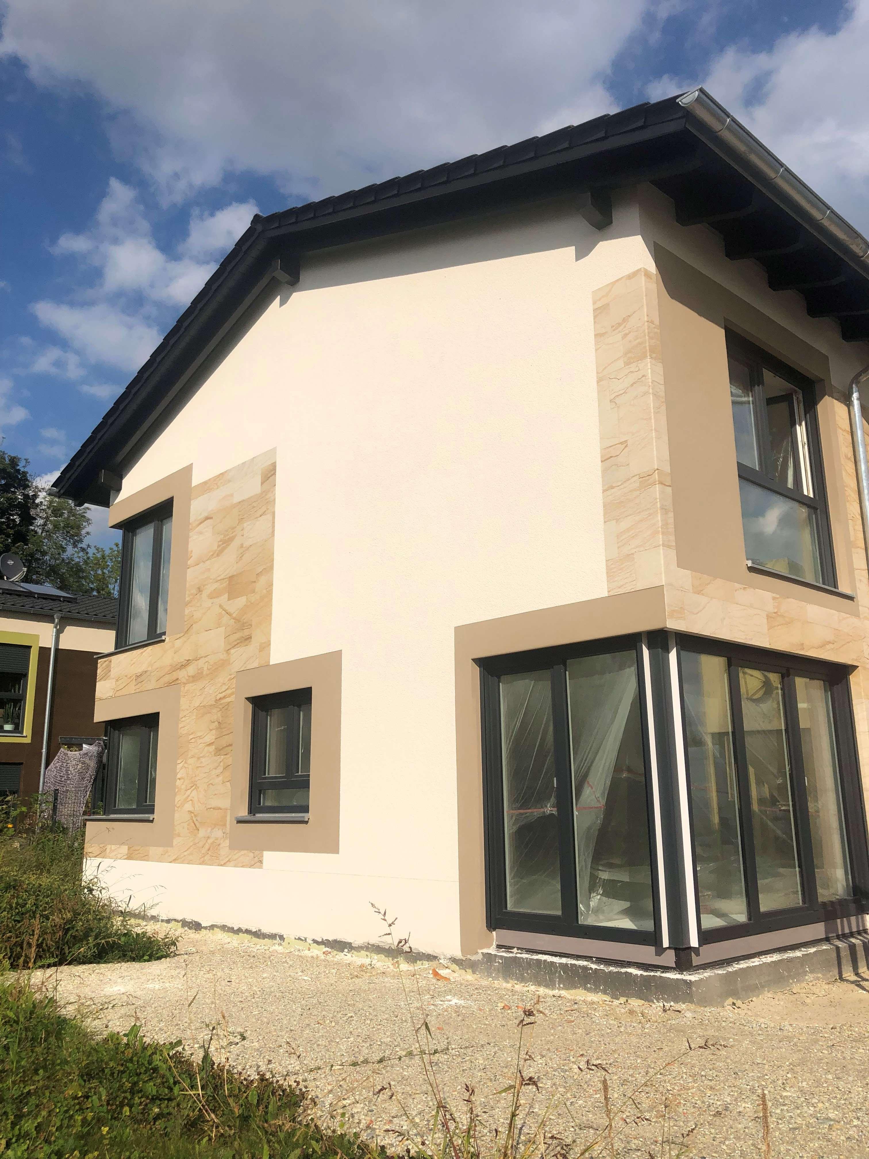 moderne lichtdurchflutete Doppelhaushälfte mit 5 Zimmer in Landau/Isar in Landau an der Isar