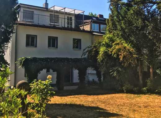 Modernisiertes 50er Jahre Haus in bester Lage
