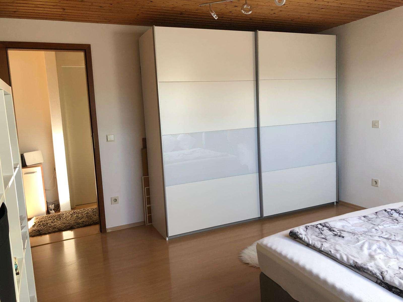 WG-Zimmer in gepflegter 3-Zimmer-Dachgeschosswohnung in Gersthofen in Gersthofen