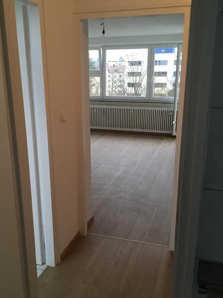 Stilvolle, gepflegte 2-Zimmer-Wohnung mit Balkon  in Laim, München, frisch renoviert in Laim (München)