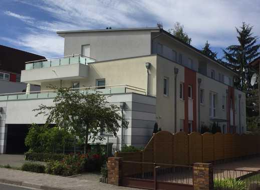 Exklusive, neuwertige 3-Zimmer-Penthouse-Wohnung mit Balkon und EBK in Mainz