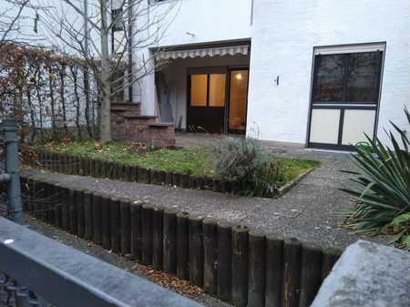 Rollstuhl geeignete 4-Raum-Wohnung mit Terrasse/Garten und Einbauküche in Universitätsviertel (Augsburg)
