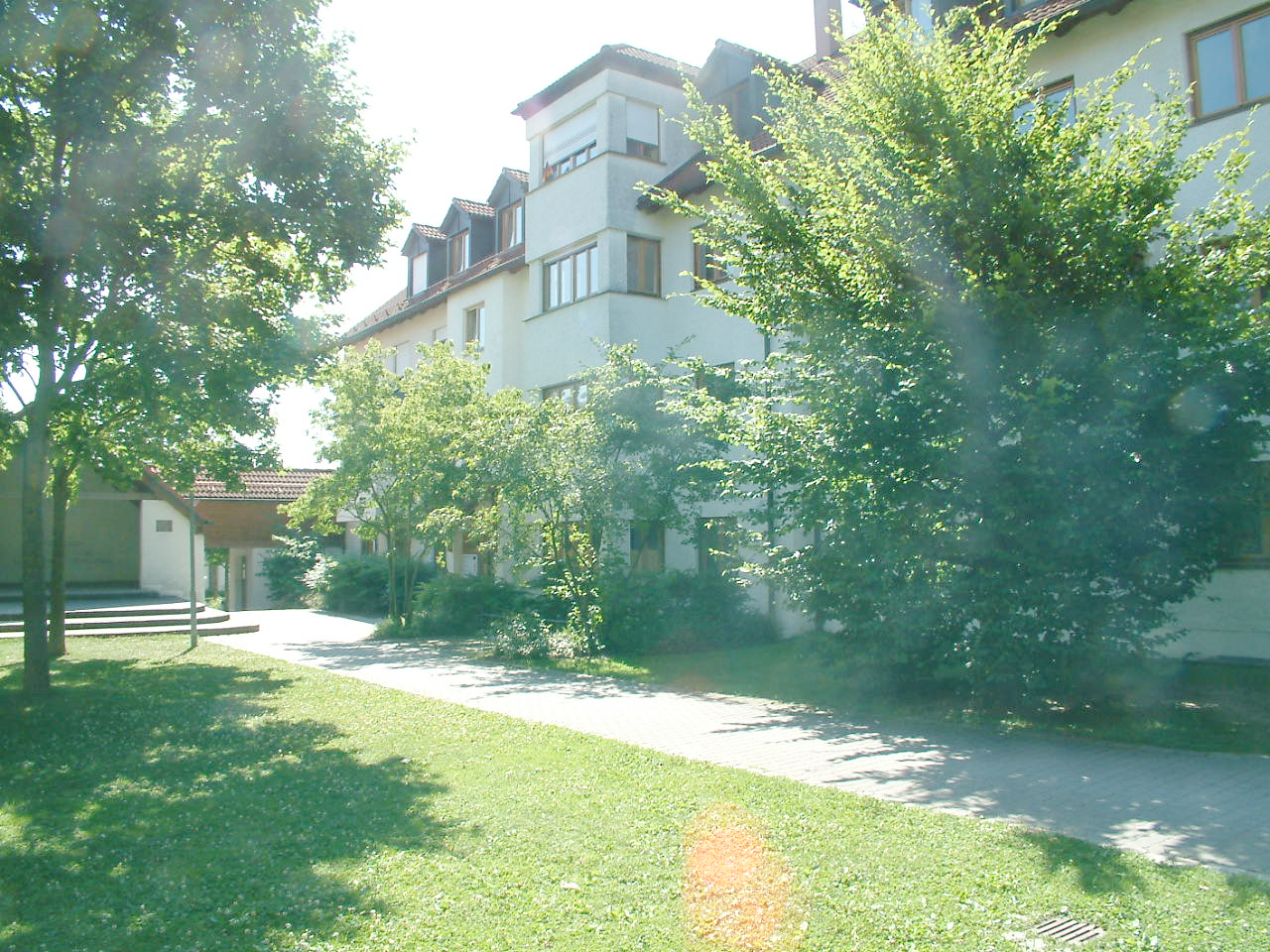 Helle 3-Zimmer-Erdgeschoßwohnung mit Terrasse in Markt Schwaben
