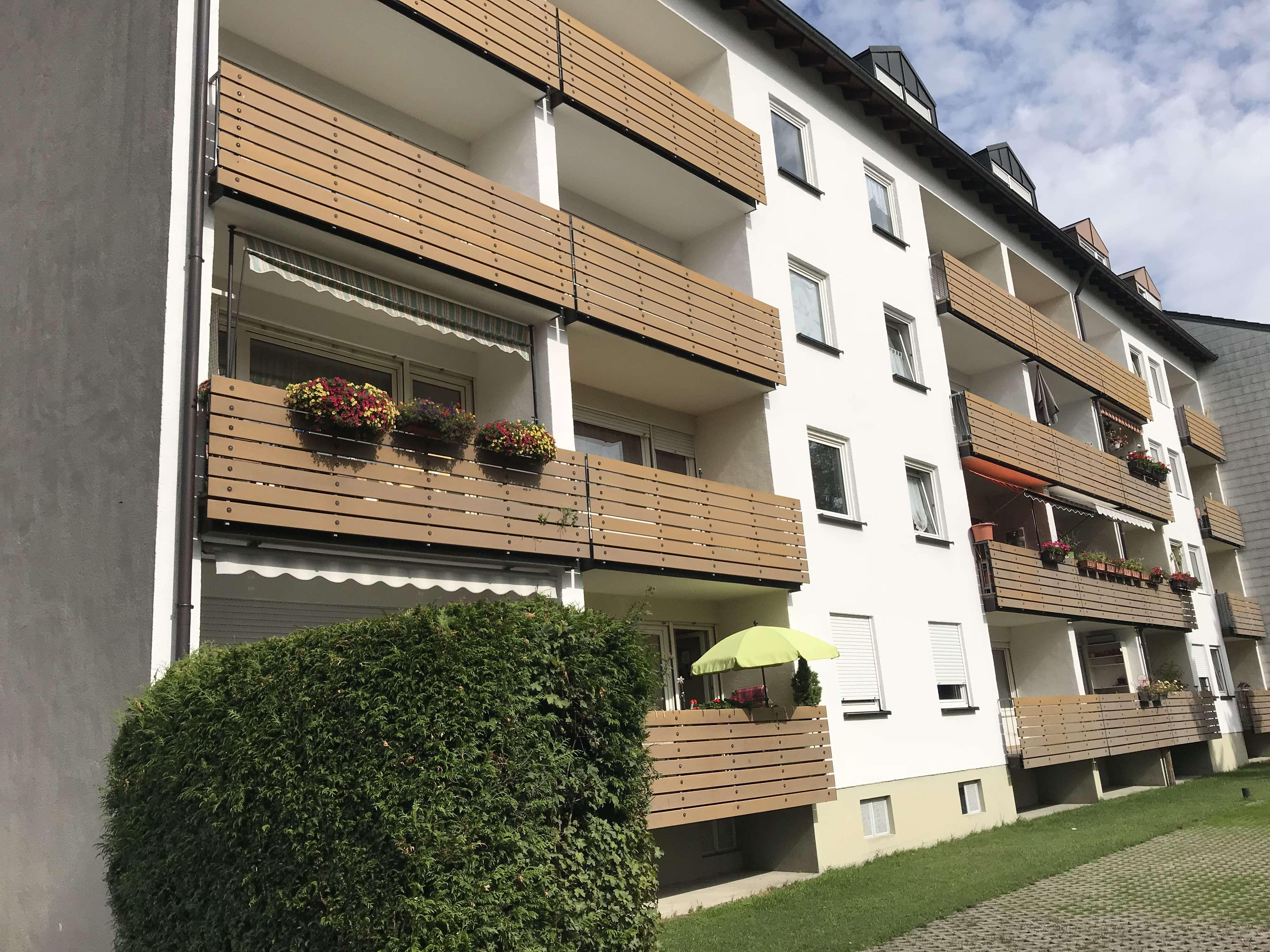 Schöne, geräumige ein Zimmer Wohnung in Olching