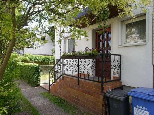 Gepflegte Doppelhaushälfte im Rudower Blumenviertel - Bild 2