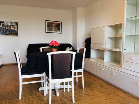 Gepflegte 2,5-Zimmer-Wohnung mit Balkon, Möbel optional in Hasenbergl (München)