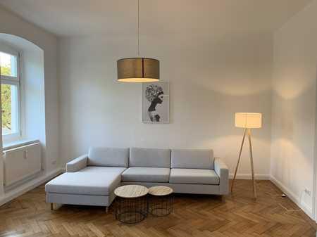 Edle Altbau-Wohnung direkt gegenüber der Pinakothek der Moderne in Maxvorstadt (München)