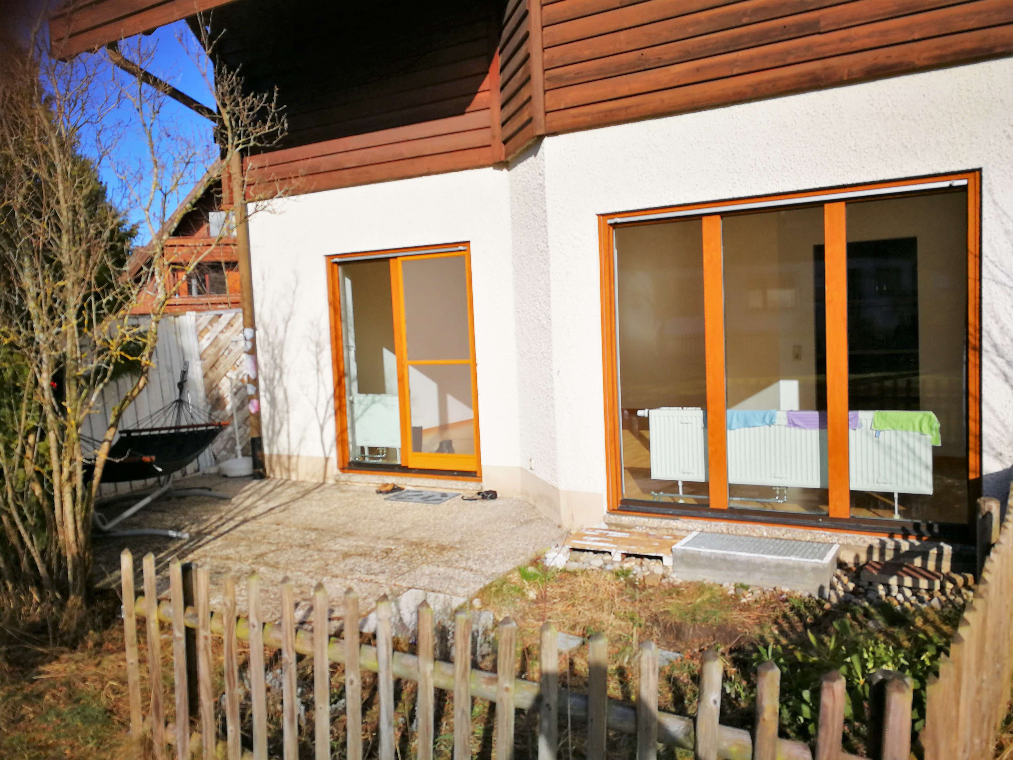 Stilvolle, vollständig renovierte 2-Zimmer-EG-Wohnung mit Einbauküche in Kempten (Allgäu) in