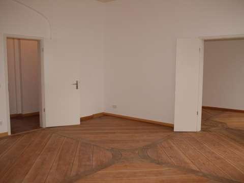 SCHLOSSHERR WERDEN** Neu sanierte 2-Zimmer Wohnung mit Seeblick im ...