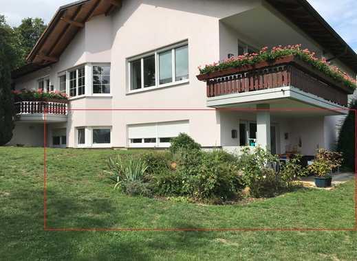 Großzügige Zwei-Zimmer-Wohnung mit Ostterrasse und Gartenfläche