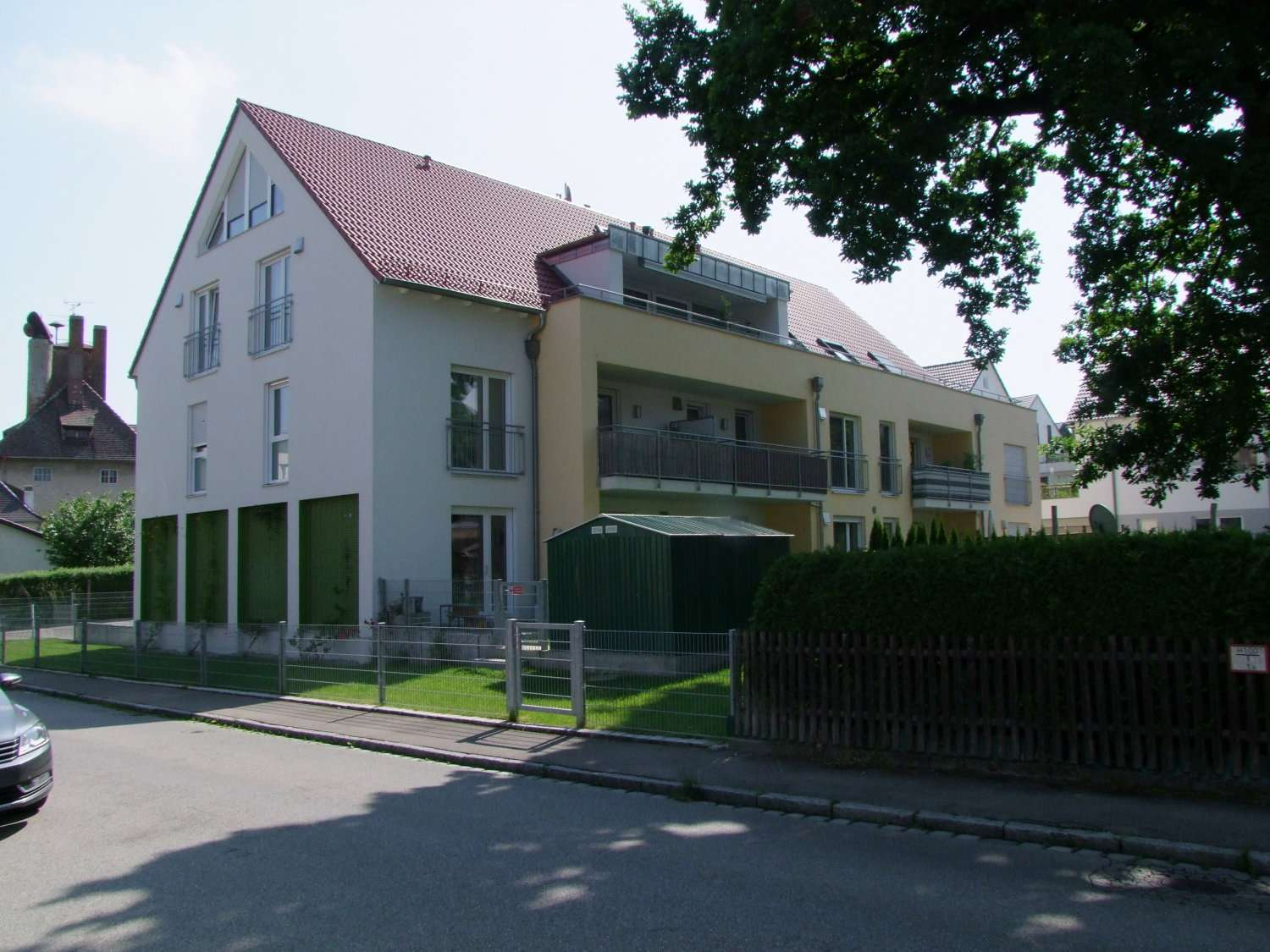 Penthouse Wohnung in 8 Familien Haus