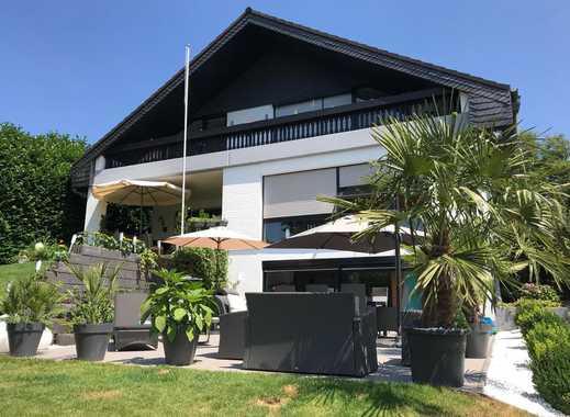 Luxuriöses Ein-Zweifamilienhaus mit Schwimmbad