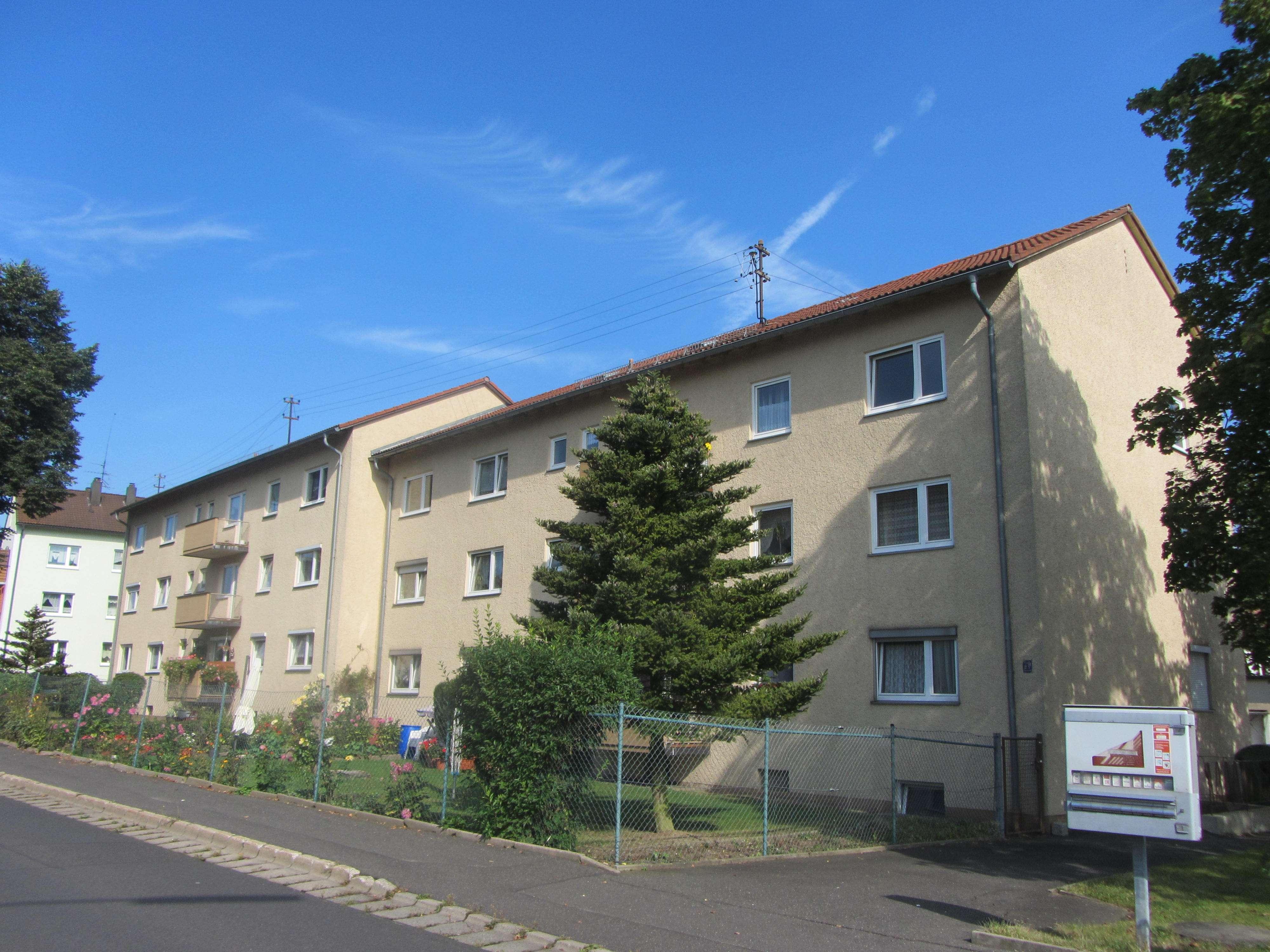 Helle, frisch renovierte 2-Zimmer Wohnung mit Balkon in Mitterteich