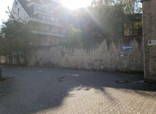 Aussenstellplatz im Innenhof