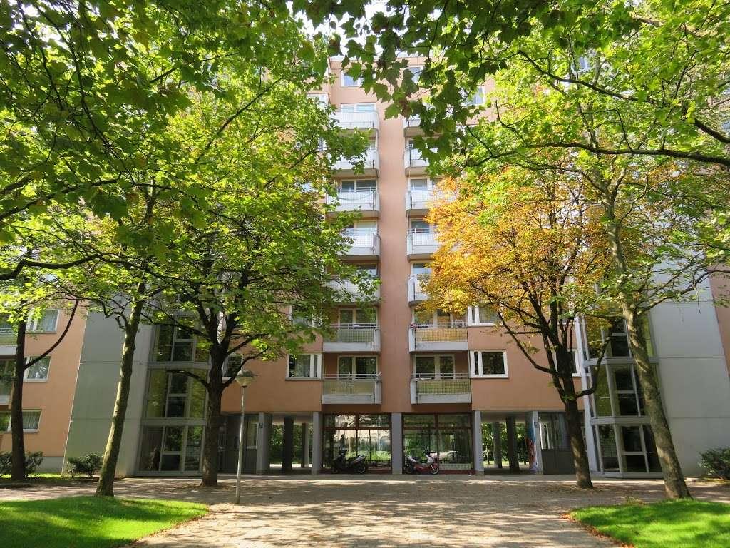 Schöne 4-Zimmer-Wohnung mit großzügiger Dachterrasse und Alpenblick! in Perlach (München)