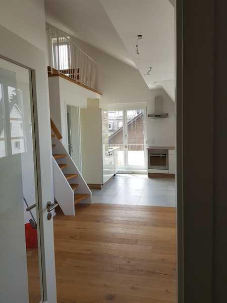 Stilvolle, geräumige und neuwertige 1-Zimmer-Wohnung mit Galerie und Balkon in München-Harlaching in Untergiesing (München)