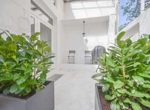 Neu renoviertes Loft mit Terrasse Reinigungs- und Bettwäsche/Handtuchservice