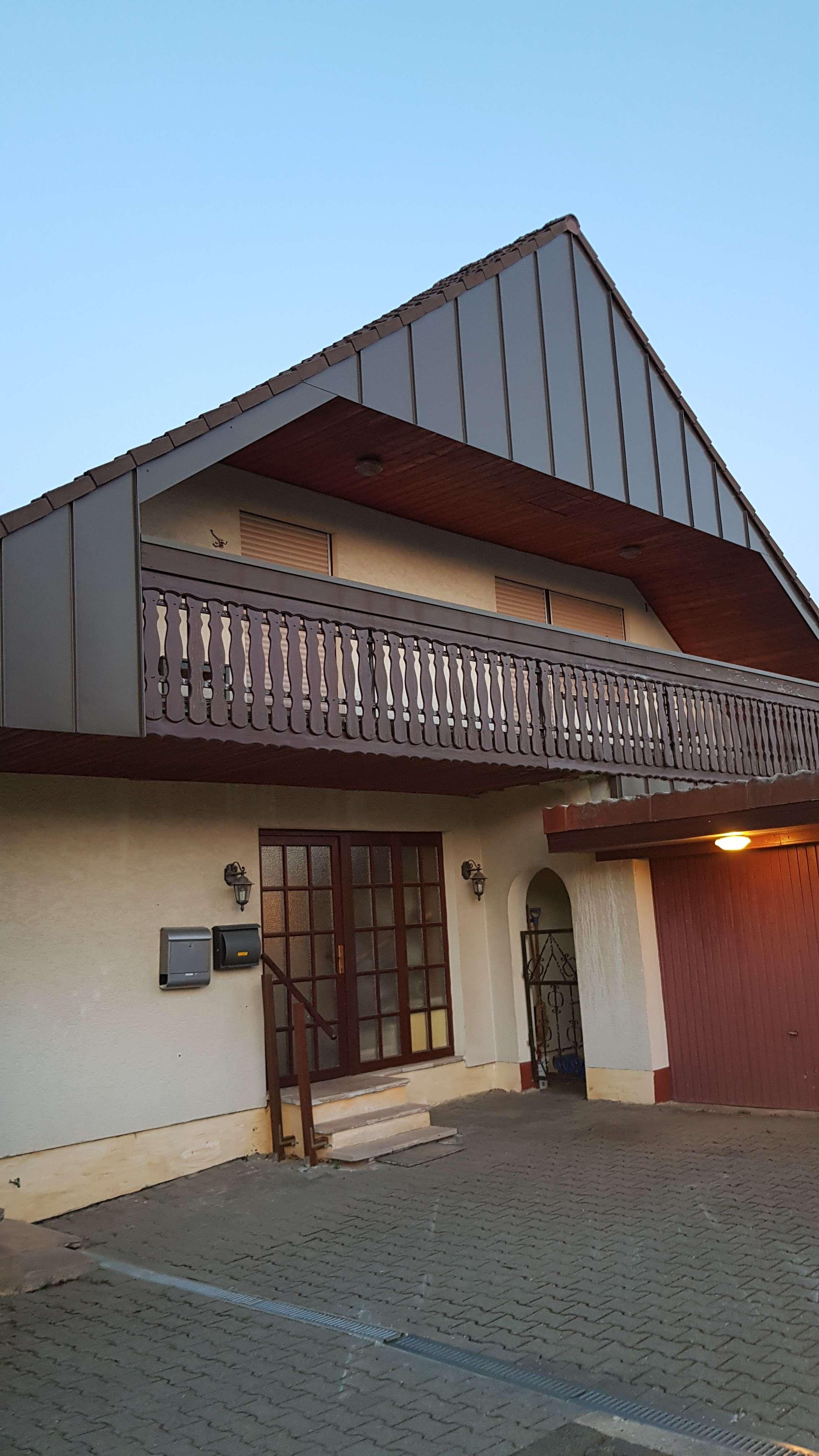 Erstbezug nach Kernsanierung: 3,5-Zi-DG-Wohnung mit Balkon in Herzogenaurach PROVISIONSFREI in