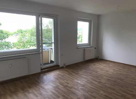 Schöne Wohnung mit Küche!