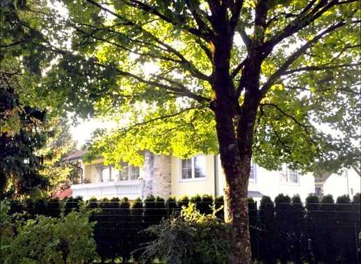 Große helle modernisierte Luxus- Maisonetten-Wohnung im Zweifamilienhaus.