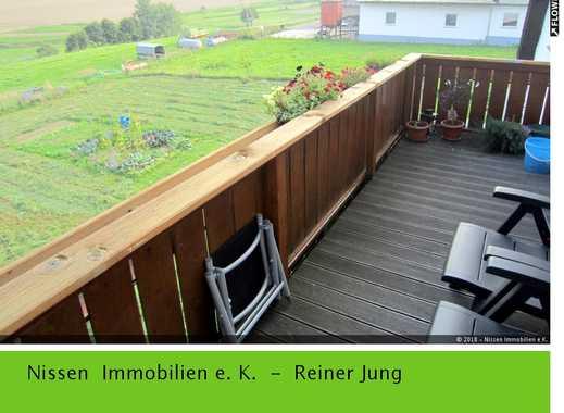 *** Attraktive 3 bis 4 Zi.-DG-Wohnung mit EBK und Balkon in Birkheim. nahe der A61!***