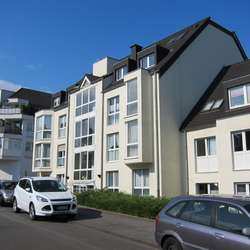 Top Lage in Speldorf.- Helle -großzügige Wohnung mit Balkon, Aufzug und zwei Tiefgaragenstellplätzen
