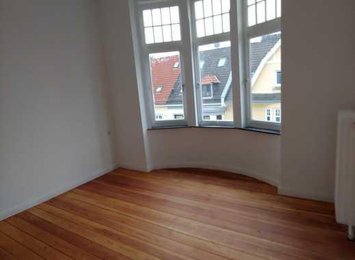 Erstbezug nach Sanierung mit Balkon: exklusive 4,5-Zimmer-Wohnung in Bremen
