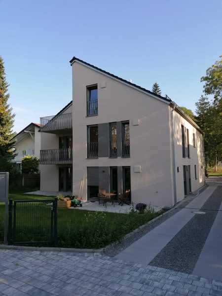 Erstbezug mit Einbauküche und Terrasse: moderne 2-Zimmer-EG-Wohnung in Bogenhausen, München in Bogenhausen (München)