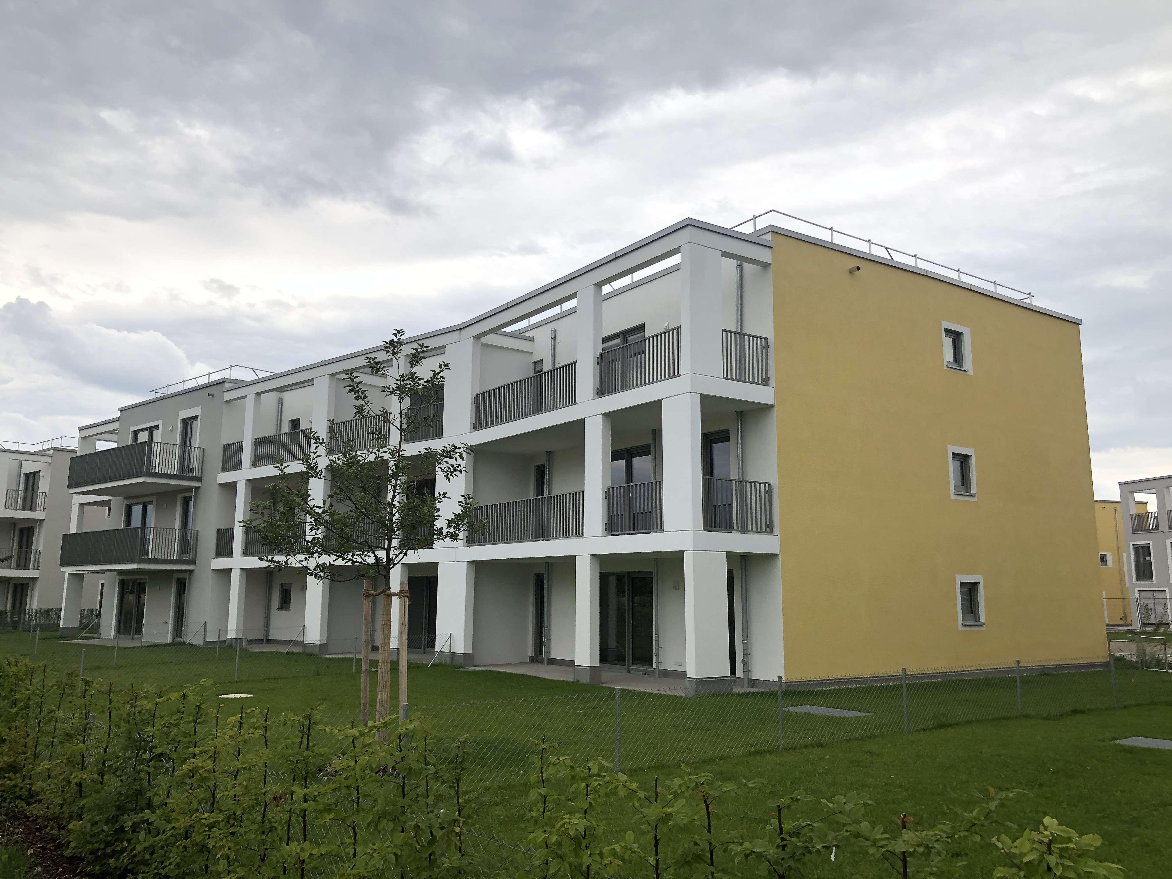 Erstbezug: exklusive 3-Zimmer-Wohnung mit Einbauküche und Balkon in Vaterstetten in