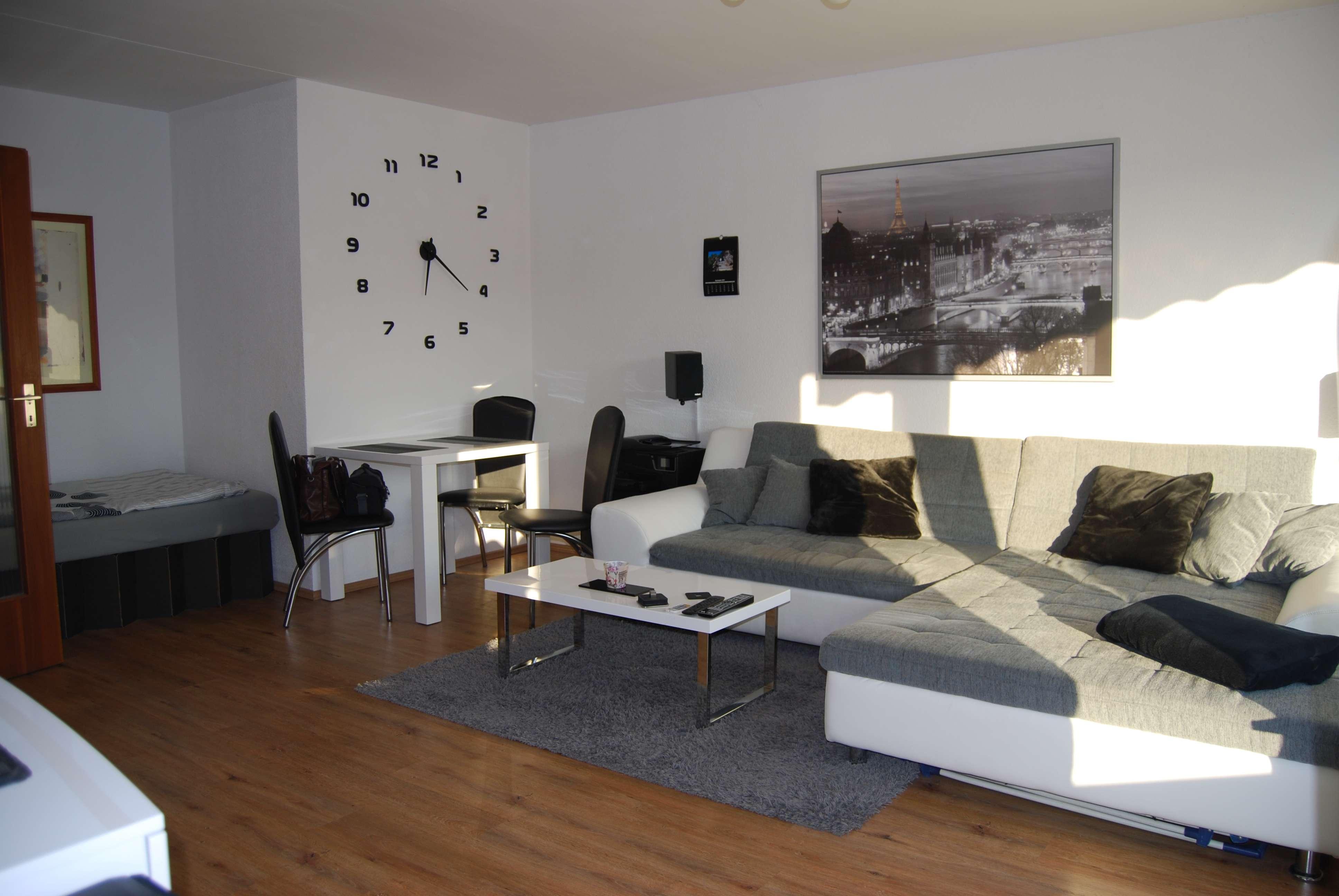 Sehr helle und gemütliche 1-Zimmerwohnung mit großen Balkon ! in Schoppershof (Nürnberg)