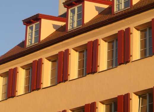 Stilvolle Dachgeschosswohnung mit Burgblick