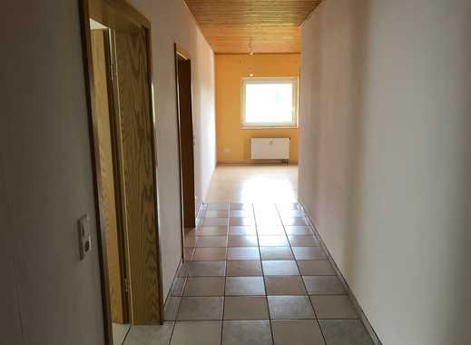 Geräumige, preiswerte und gepflegte 2,5-Zimmer-DG-Wohnung in Gronau ( Nienstedt )