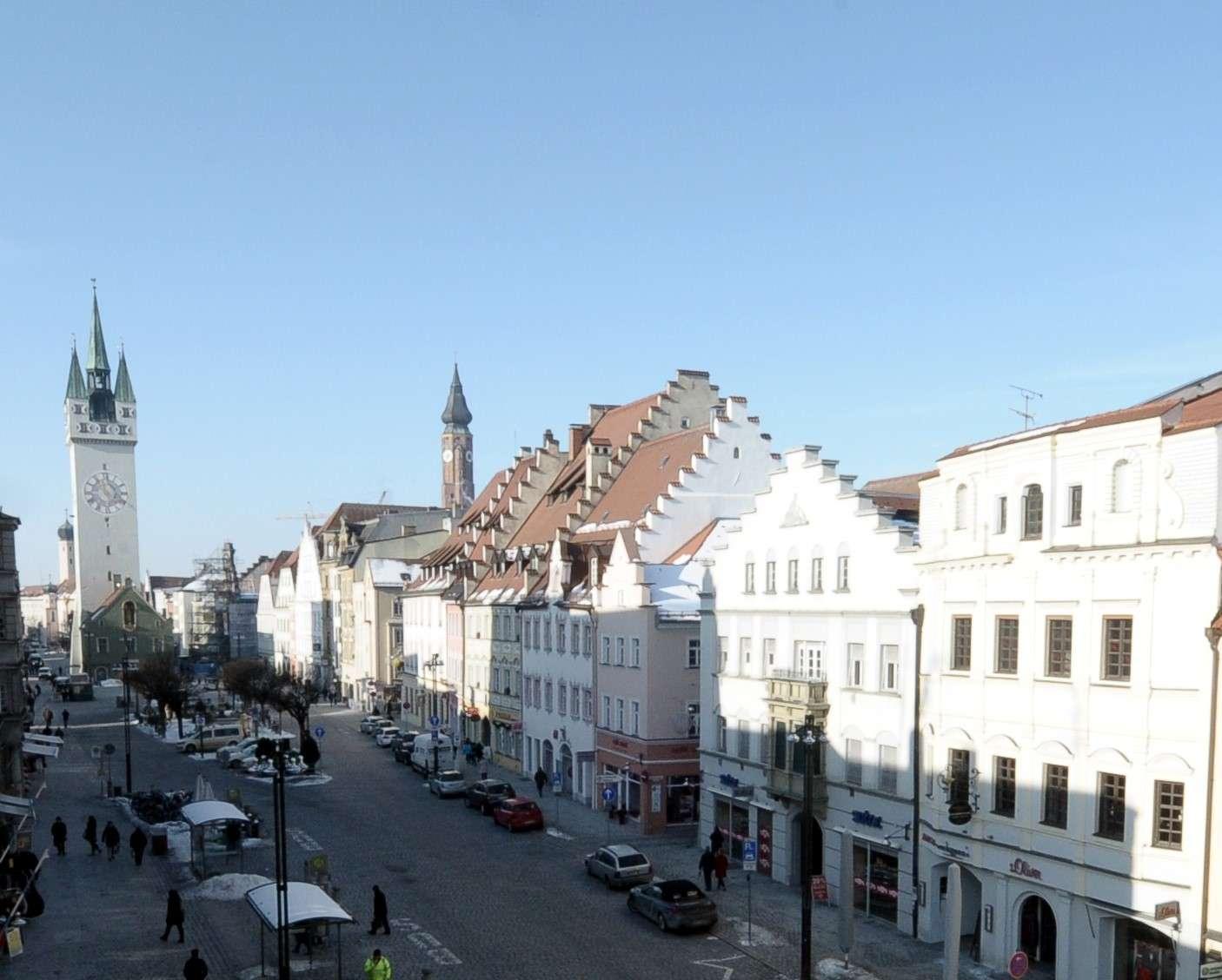 Großzügig geschnittene 3-Zimmer-Wohnung in Bestlage am Straubinger Ludwigsplatz - Erstbezug