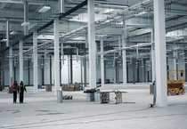 Hallenfläche ca 5 000 m²