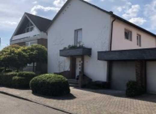 Attraktive 4-Zimmer-Wohnung mit Terrasse in Esch/Auweiler, Köln