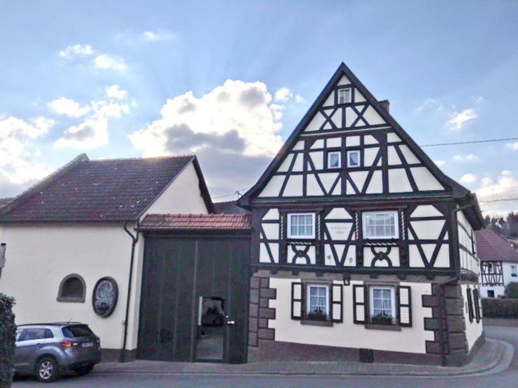 BAYER Immobilien GmbH: Rarität in Spiesheim! Denkmalgeschützte ...