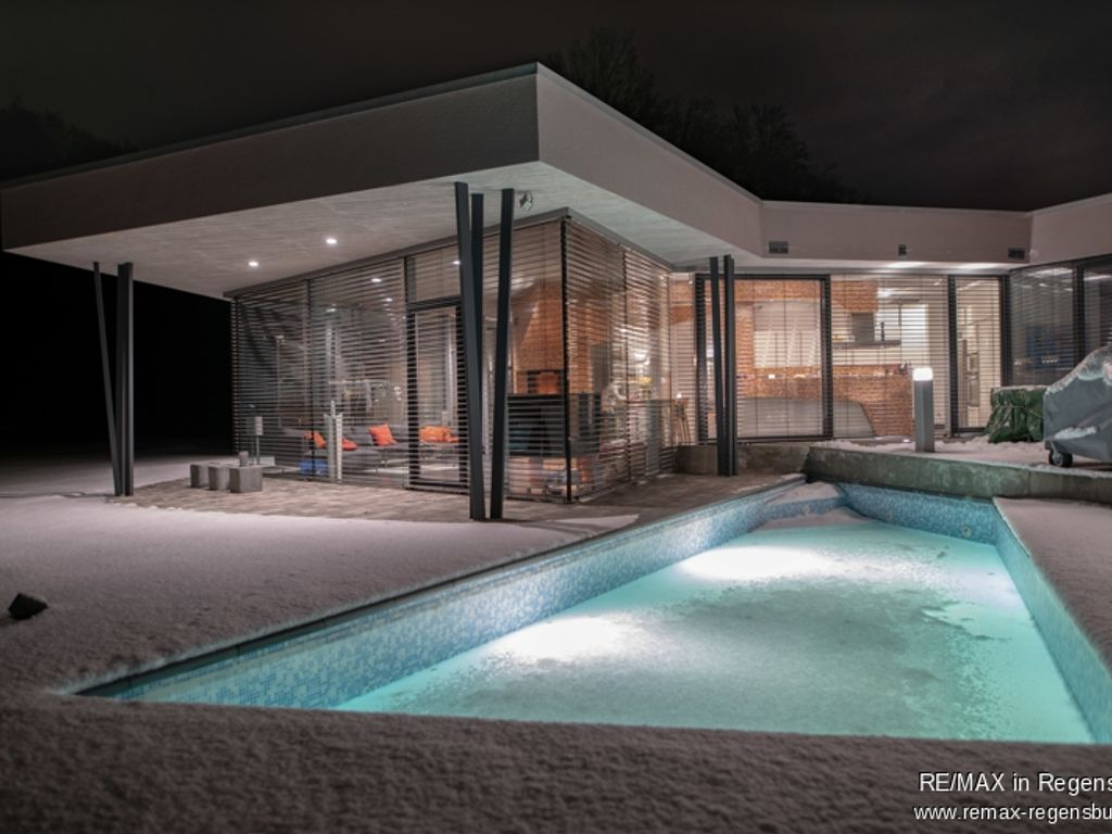 Nacht-Ansicht Pool