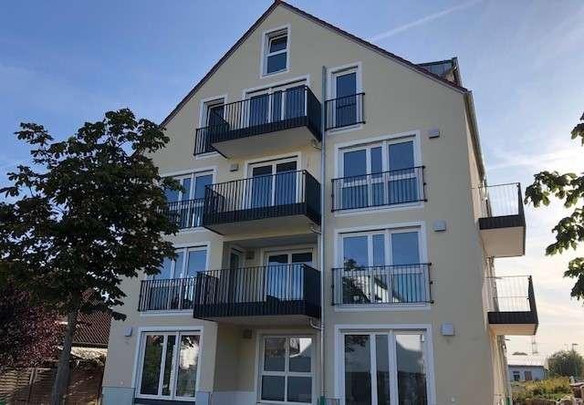 Erstbezug: attraktive 4-Zimmer-Wohnung mit Terasse, Garten,  zwei Bäder in Regensburg Schwabelweis in Schwabelweis (Regensburg)