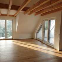 Erstbezug luxuriöse 4-Zimmer-DG-Wohnung mit Balkon